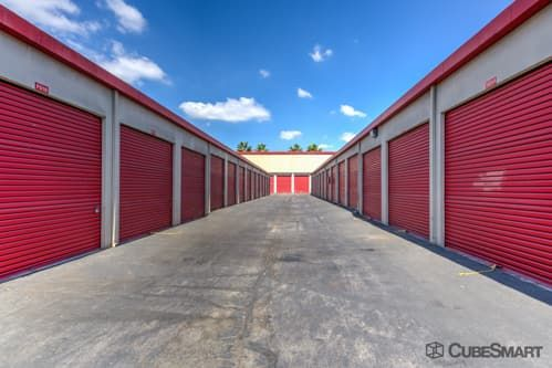 CubeSmart Self Storage - Long Beach 198 W Artesia Blvd Long Beach, CA - Photo 1