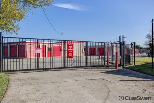 CubeSmart Self Storage - Spring - 1220 W Riley Fuzzel Road 1220 W Riley Fuzzel Road Spring, TX - Photo 3