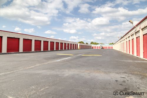 CubeSmart Self Storage - Margate - 5500 Nw 15th St 5500 NW 15th St Margate, FL - Photo 4
