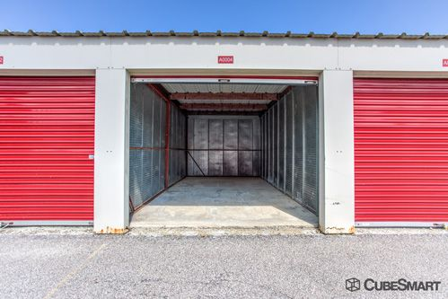 CubeSmart Self Storage - Middleburg Heights 6801 Engle Road Middleburg Heights, OH - Photo 4