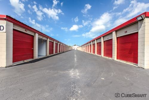 CubeSmart Self Storage - Naples - 5650 Naples Blvd 5650 Naples Blvd Naples, FL - Photo 4