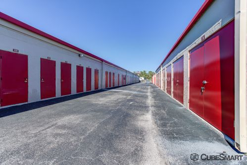 CubeSmart Self Storage - Stuart 550 SE Harper St Stuart, FL - Photo 7