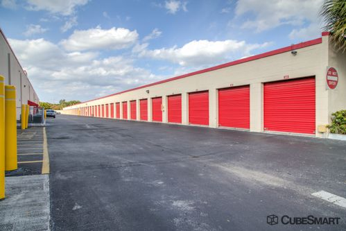 CubeSmart Self Storage - Pembroke Pines - 10755 Pembroke Rd 10755 Pembroke Rd Pembroke Pines, FL - Photo 5