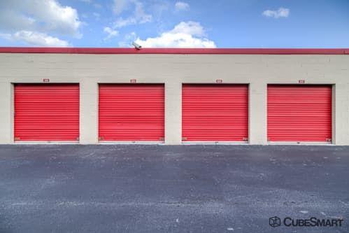 CubeSmart Self Storage - Pembroke Pines - 10755 Pembroke Rd 10755 Pembroke Rd Pembroke Pines, FL - Photo 6