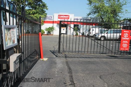 CubeSmart Self Storage - Fairview 411 Anderson Ave Fairview, NJ - Photo 4