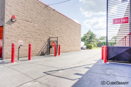 CubeSmart Self Storage - North Babylon 240 Bay Shore Road North Babylon, NY - Photo 3