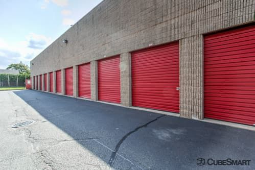 CubeSmart Self Storage - North Babylon 240 Bay Shore Road North Babylon, NY - Photo 4