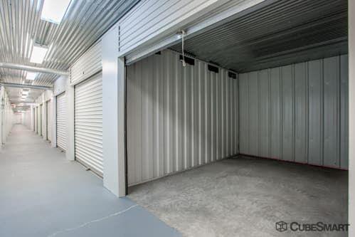 CubeSmart Self Storage - Aurora - 3606 Gabrielle Lane 3606 Gabrielle Lane Aurora, IL - Photo 4
