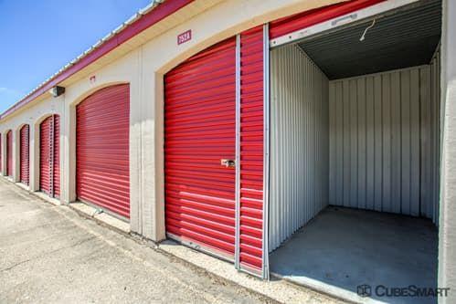 CubeSmart Self Storage - Aurora - 3606 Gabrielle Lane 3606 Gabrielle Lane Aurora, IL - Photo 9