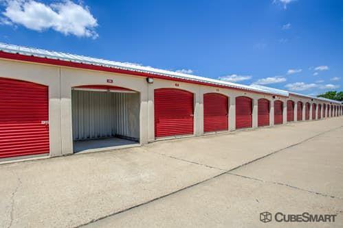 CubeSmart Self Storage - Aurora - 3606 Gabrielle Lane 3606 Gabrielle Lane Aurora, IL - Photo 10