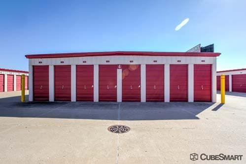 CubeSmart Self Storage - Joliet - 2114 Oak Leaf Street 2114 Oak Leaf Street Joliet, IL - Photo 6