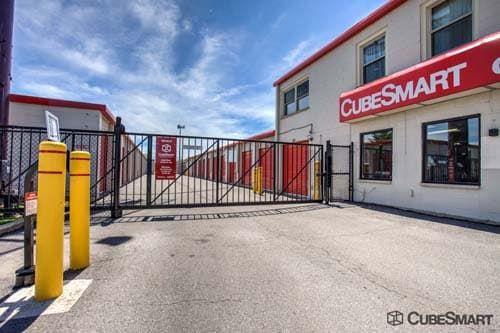 CubeSmart Self Storage - Mount Prospect 1551 W. Algonquin Road Mount Prospect, IL - Photo 1
