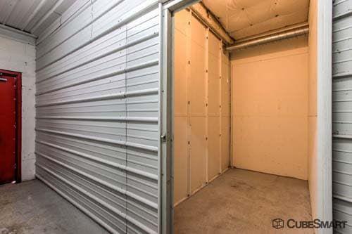 CubeSmart Self Storage - Mount Prospect 1551 W. Algonquin Road Mount Prospect, IL - Photo 4