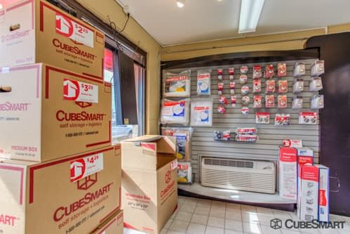 CubeSmart Self Storage - Waukegan 665 South Greenbay Road Waukegan, IL - Photo 1