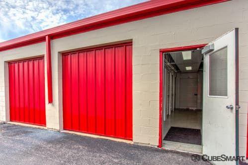 CubeSmart Self Storage - Waukegan 665 South Greenbay Road Waukegan, IL - Photo 4