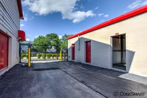CubeSmart Self Storage - Westmont 143 West 61St Street Westmont, IL - Photo 6