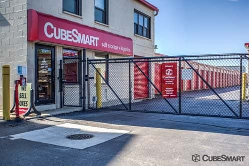 CubeSmart Self Storage - Wheeling - 1042 South Milwaukee Avenue 1042 S Milwaukee Ave Wheeling, IL - Photo 4