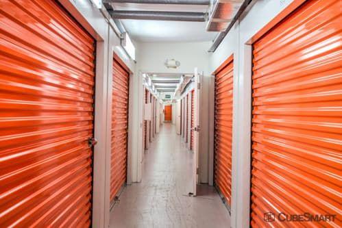 CubeSmart Self Storage - Lutz - 14902 North 12th Street 14902 North 12Th Street Lutz, FL - Photo 2