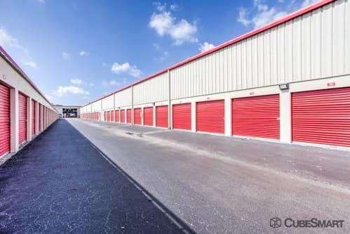 CubeSmart Self Storage - Lutz - 14902 North 12th Street 14902 North 12Th Street Lutz, FL - Photo 4