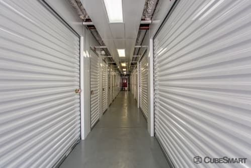 CubeSmart Self Storage - Orlando - 4554 E Hoffner Ave 4554 Hoffner Ave Orlando, FL - Photo 3