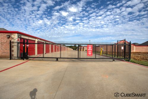 CubeSmart Self Storage - Keller 8800 Davis Blvd Keller, TX - Photo 3
