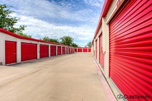 CubeSmart Self Storage - Fort Worth - 5637 Basswood Blvd 5637 Basswood Blvd Fort Worth, TX - Photo 5