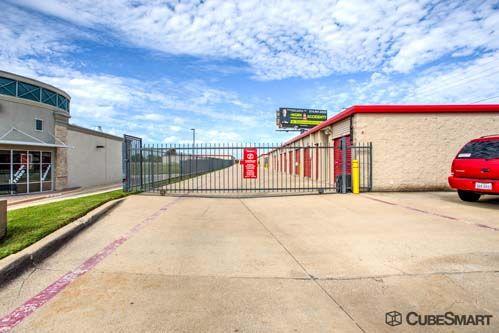 CubeSmart Self Storage - Fort Worth - 5637 Basswood Blvd 5637 Basswood Blvd Fort Worth, TX - Photo 8