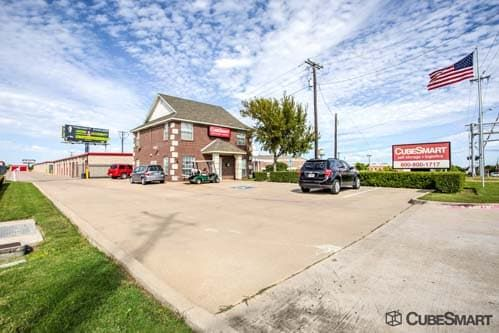 CubeSmart Self Storage - Fort Worth - 5637 Basswood Blvd 5637 Basswood Blvd Fort Worth, TX - Photo 0
