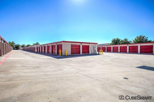 CubeSmart Self Storage - Fort Worth - 1761 Eastchase Pkwy 1761 Eastchase Pkwy Fort Worth, TX - Photo 5