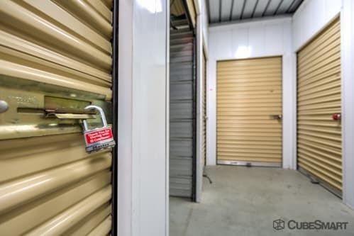 CubeSmart Self Storage - Murrieta - 40410 California Oaks Road 40410 California Oaks Road Murrieta, CA - Photo 3