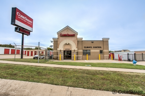 CubeSmart Self Storage - Denton 201 South I-35 East Denton, TX - Photo 0