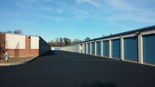 AAAA Laburnum Racetrack Self Storage & Moving 1400 E Laburnum Ave Richmond, VA - Photo 3