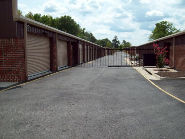 AAAA Self Storage & Moving - Richmond - 100 S Providence Rd 100 S Providence Rd Richmond, VA - Photo 2
