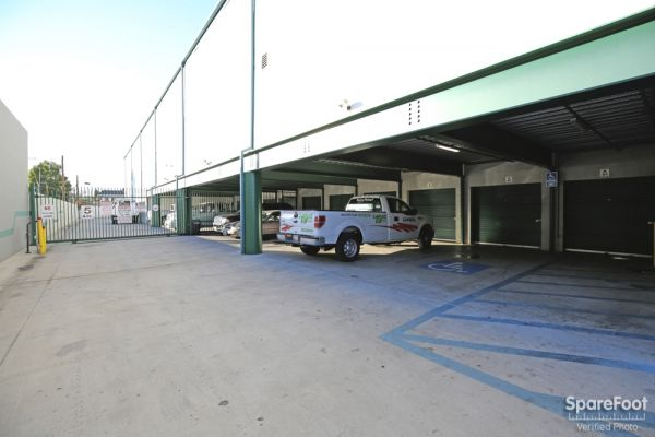 AA Universal Self Storage 6121 Lankershim Blvd North Hollywood, CA - Photo 2