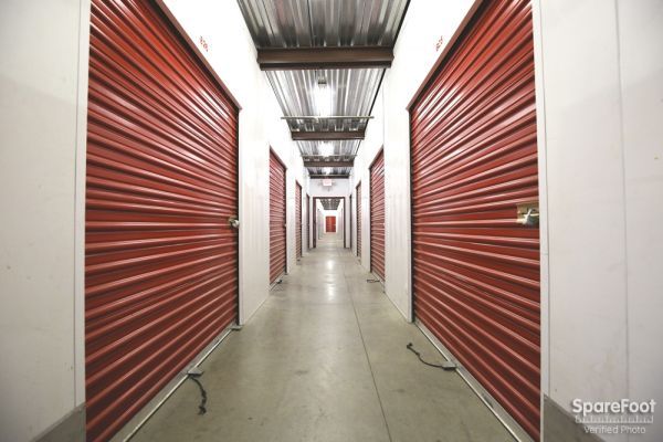 AA Universal Self Storage 6121 Lankershim Blvd North Hollywood, CA - Photo 7