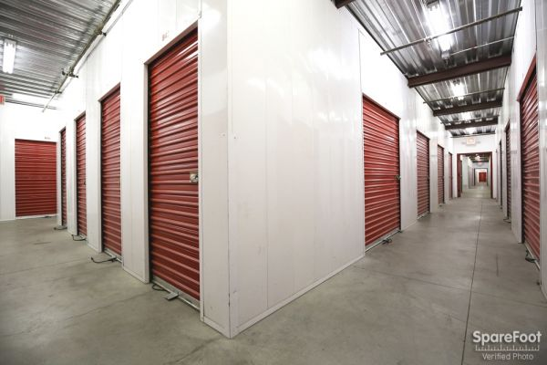 AA Universal Self Storage 6121 Lankershim Blvd North Hollywood, CA - Photo 8
