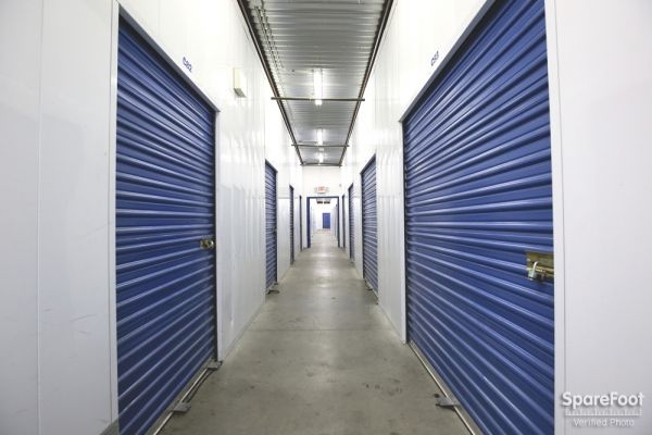 AA Universal Self Storage 6121 Lankershim Blvd North Hollywood, CA - Photo 9