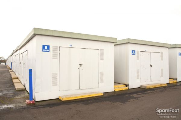 Storage Etc. - Carson 20501 S Main St Carson, CA - Photo 9