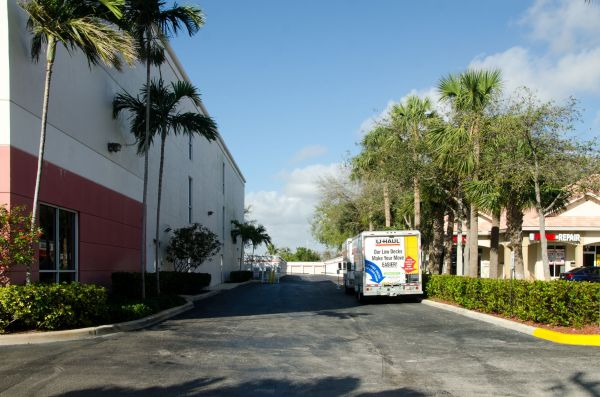 Federal Highway Self Storage 415 S Federal Hwy Deerfield Beach, FL - Photo 5