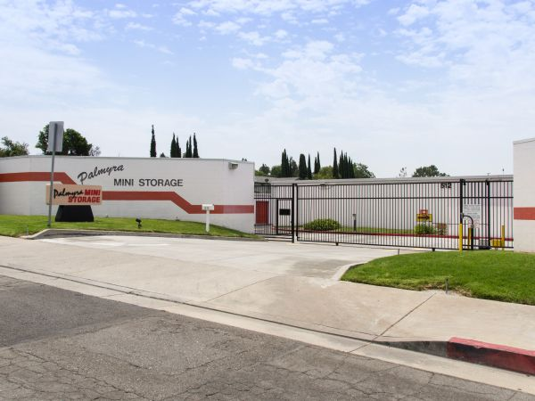 Palmyra Mini Storage 512 W Palmyra Ave Orange, CA - Photo 0
