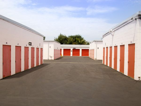 Palmyra Mini Storage 512 W Palmyra Ave Orange, CA - Photo 5