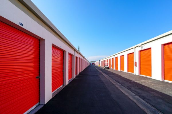 Palmyra Mini Storage 512 W Palmyra Ave Orange, CA - Photo 14
