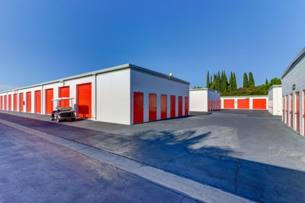 Palmyra Mini Storage 512 W Palmyra Ave Orange, CA - Photo 29