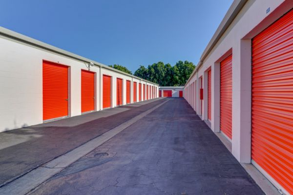 Palmyra Mini Storage 512 W Palmyra Ave Orange, CA - Photo 30