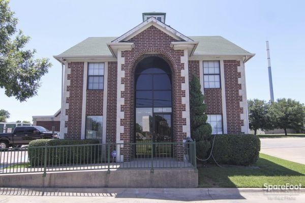 Alamo Mini Storage - Matlock 4840 Matlock Rd Arlington, TX - Photo 0