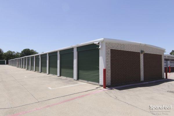 Alamo Mini Storage - Matlock 4840 Matlock Rd Arlington, TX - Photo 4
