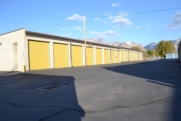 Beehive Self Storage 1890 Wall Ave Ogden, UT - Photo 2