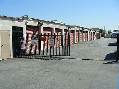 One Stop Storage - Santa Ana 1401 N Harbor Blvd Santa Ana, CA - Photo 4