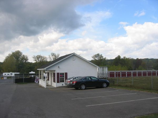 Bentley Self Storage 721 River Rd Glenmont, NY - Photo 0