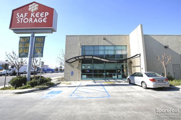 Saf Keep Storage - Gardena 2045 W Rosecrans Ave Gardena, CA - Photo 1